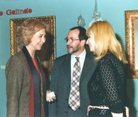 HM Queen Doña Sofia next to Urbano Galindo and his spouse Eugenia