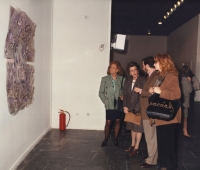 Victoria Visedo y María Eulalia Miró junto a Urbano Galindo y su mujer en Centro Cultural de la Villa